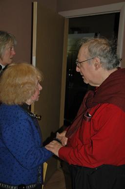 Chuck Stein greets Ingeborg Lauterstein